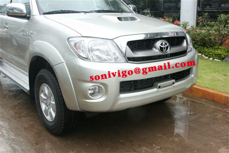 front closeup view of LHD Toyota Hilux Vigo 2011