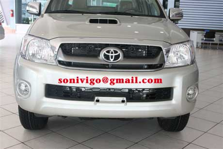 front view of 2011 LHD Toyota Hilux Vigo