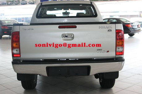 rear view of 2011 LHD Toyota Hilux Vigo