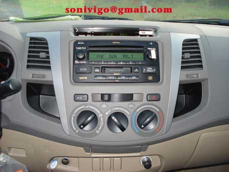 Radio CD player of LHD Toyota Hilux Vigo 2011