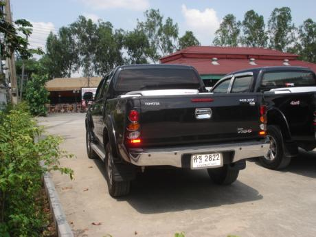 used Toyota Hilux VigoDouble Cab 4x4 G with utility box at Thailand's top Toyota new and used Hilux Vigo dealer Jim Autos Thailand